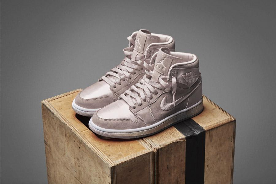 Nike Air Jordan 1 Retro High — dámské kotníkové boty — tenisky — světle růžové, fialové — women's sneakers — light pink, purple