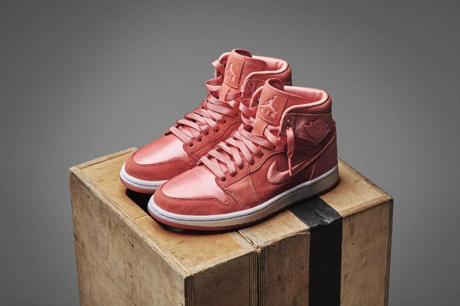 Nike Air Jordan 1 Retro High — dámské kotníkové boty — tenisky — červené — women's sneakers — light pink, purple