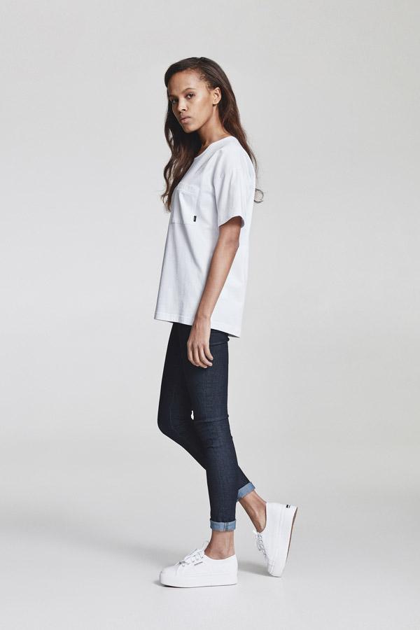 Makia — dámské tričko s kapsičkou — bílé — jaro 2018 — dámské oblečení