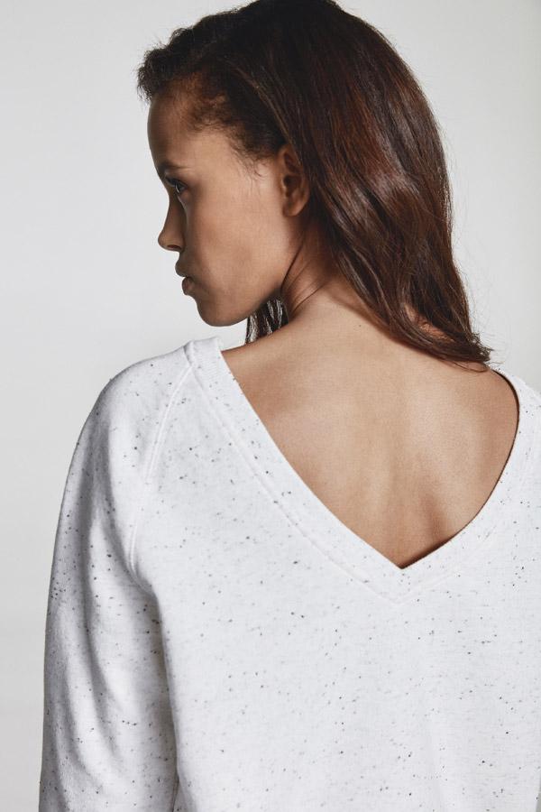 Makia — dámská bílá tečkovaná mikina — jaro 2018 — dámské oblečení