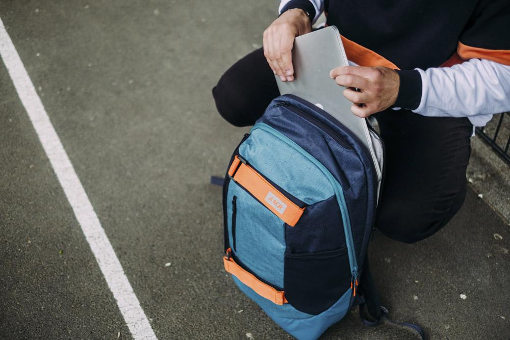 Aevor — Bookpack — modrý batoh recyklovaný z PET lahví — sustainable backpack — jaro/léto 2018