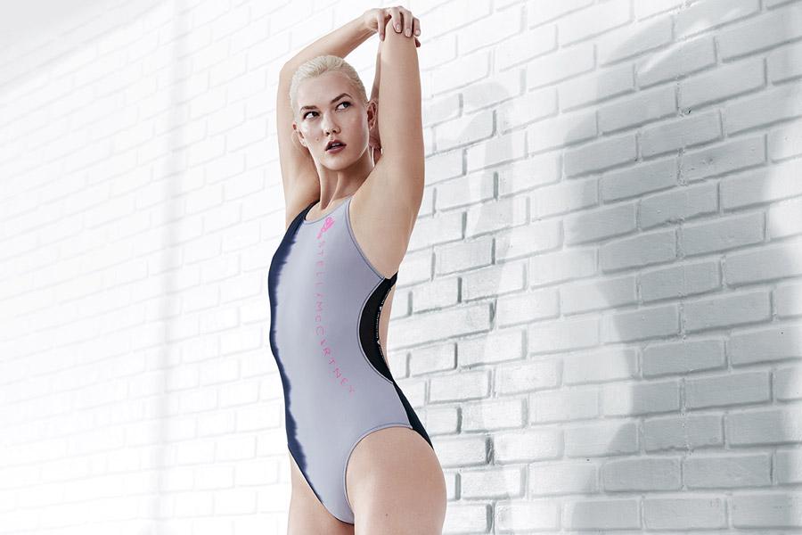 adidas x Stella McCartney — dámské jednodílné plavky — šedé — sportovní oblečení — jaro/léto 2018