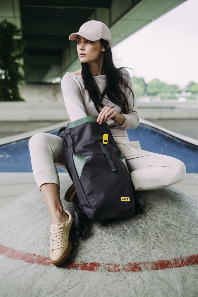 Aevor — Rolltop — zeleno-černý batoh recyklovaný z PET lahví — sustainable backpack — jaro/léto 2018