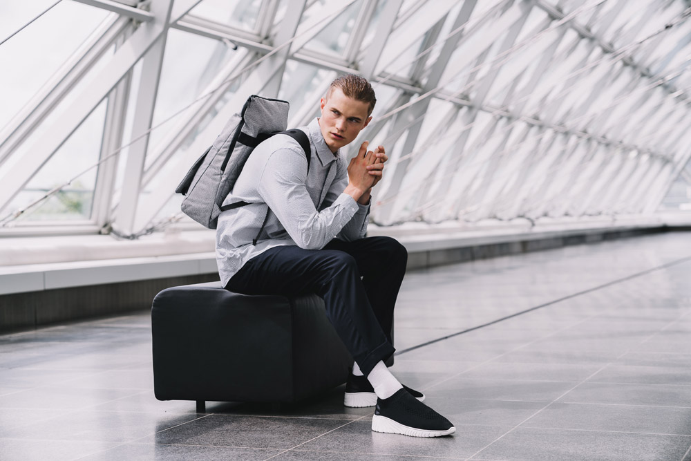 Pinqponq — Klak — šedý sustainable batoh recyklovaný z PET lahví — backpack — jaro/léto 2018