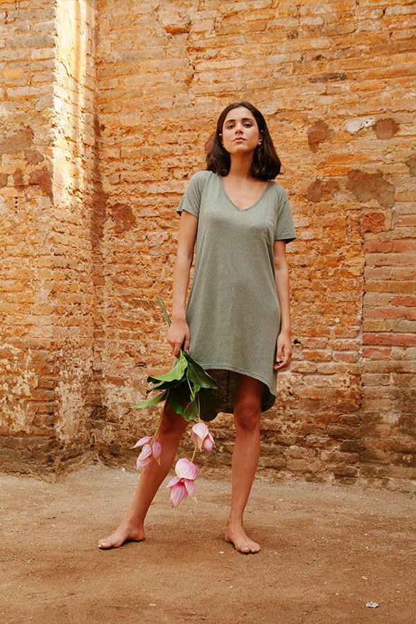 Thinking MU — dámské letní šaty — dlouhé zelené tričko — sustainable fashion — udržitelná móda — jaro/léto 2018