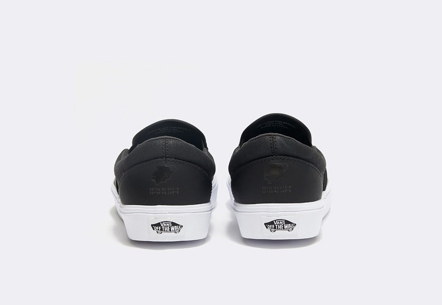 Vans x Rains — Slip-On Lite — tenisky bez tkaniček — černé — dámské — pánské — boty — black sneakers, shoes