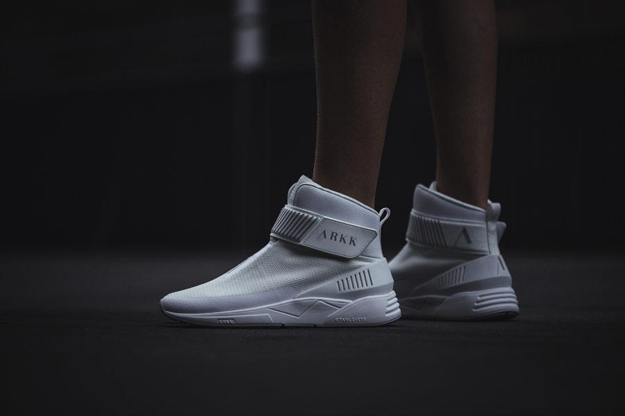 ARKK Copenhagen — Pythron — boty — tenisky — světle šedé — pánské, dámské — mens and womens slip-on sneakers — light grey