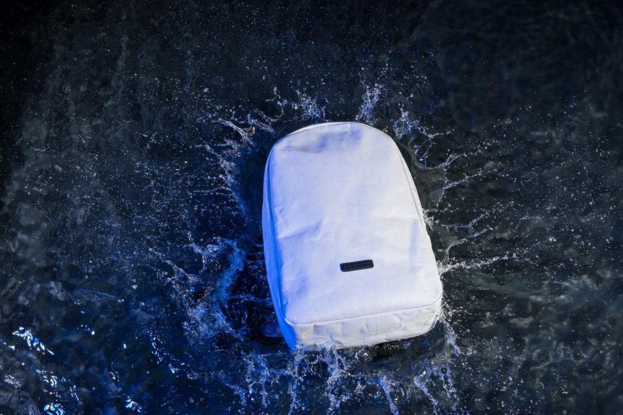 Ucon Acrobatics — batoh z celulózy — Marvin Backpack — voděodolný — béžovo-šedý — waterproof, vegan, sustainable, urban — jaro/léto 2018
