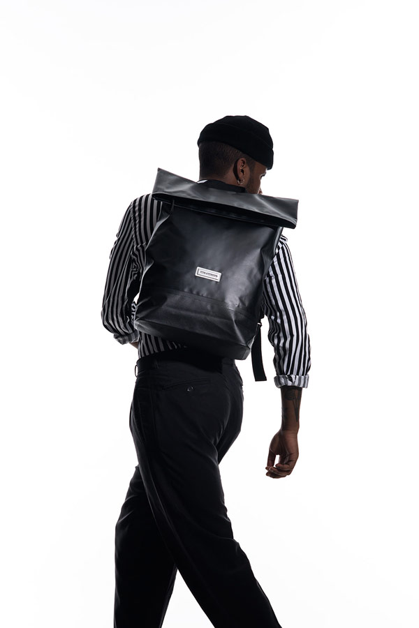 ... sustainable Ucon Acrobatics — nepromokavý batoh — Karlo Backpack —  černý — waterproof df710f5f9f