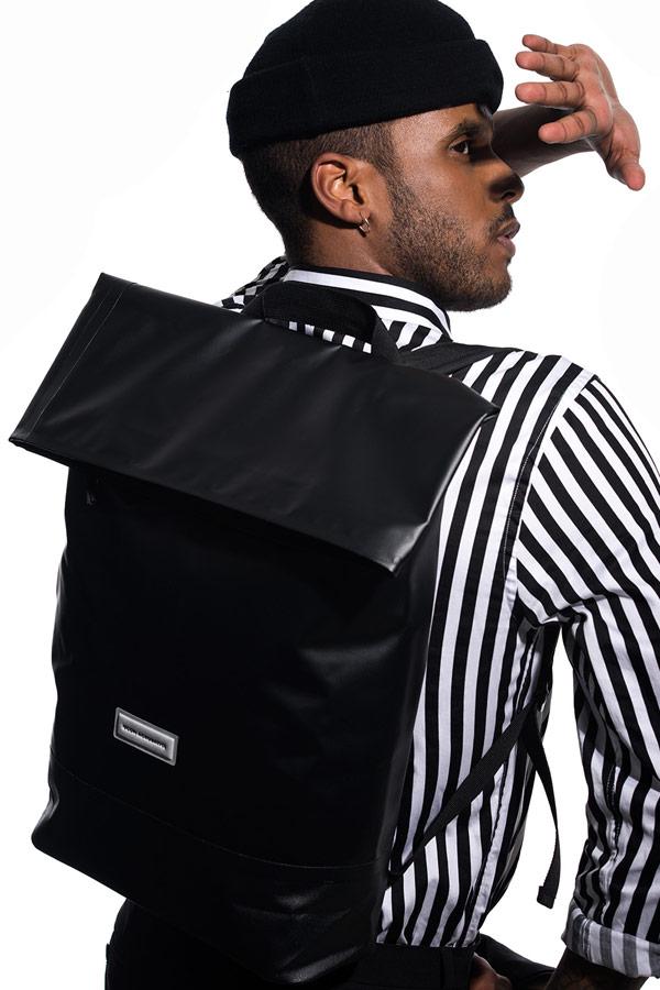 Ucon Acrobatics — černý batoh — Karlo Backpack — nepromokavý — waterproof, vegan, sustainable, urban — jaro/léto 2018