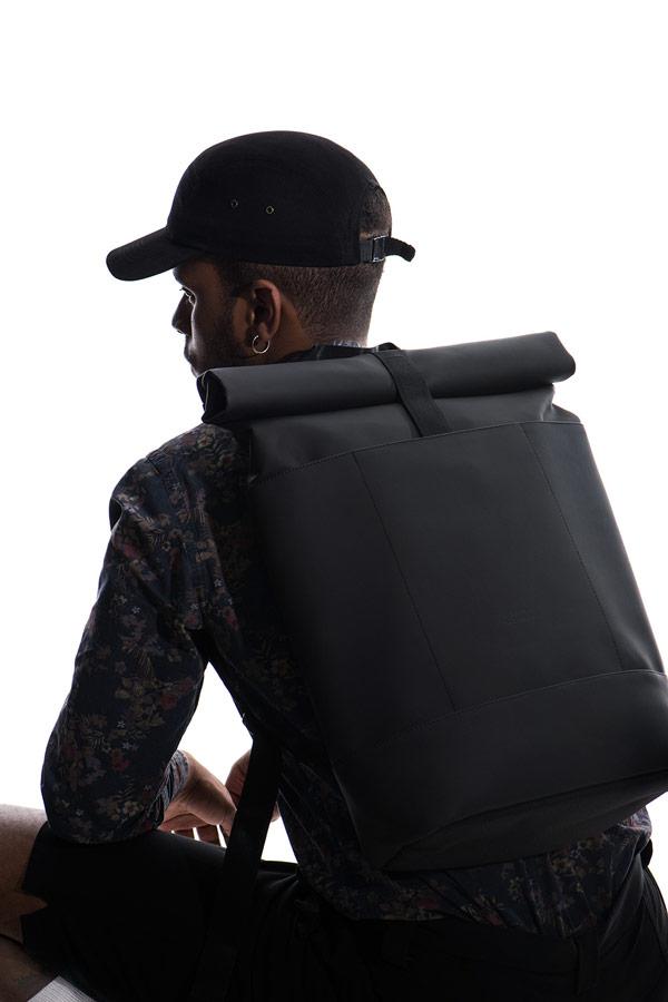 Ucon Acrobatics — černý batoh z PET lahví — Colin Backpack — voděodolný — waterproof, vegan, sustainable, urban — jaro/léto 2018
