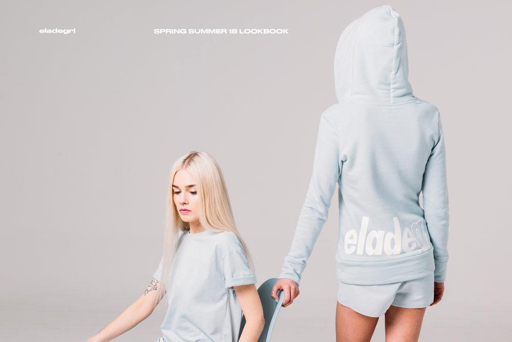 Elade Grl — dámská mikina s kapucí — pastelová světle modrá — streetwear fashion