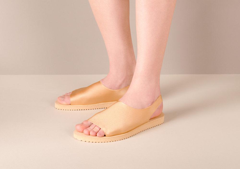 PLOVE — dámské sandály — zlaté — sandálky