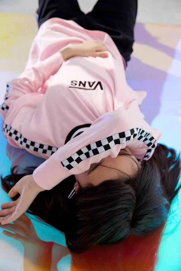 Vans x Lazy Oaf — dámské růžové tričko s dlouhým rukávem — Checkerboard Long Sleeve T-Shirt