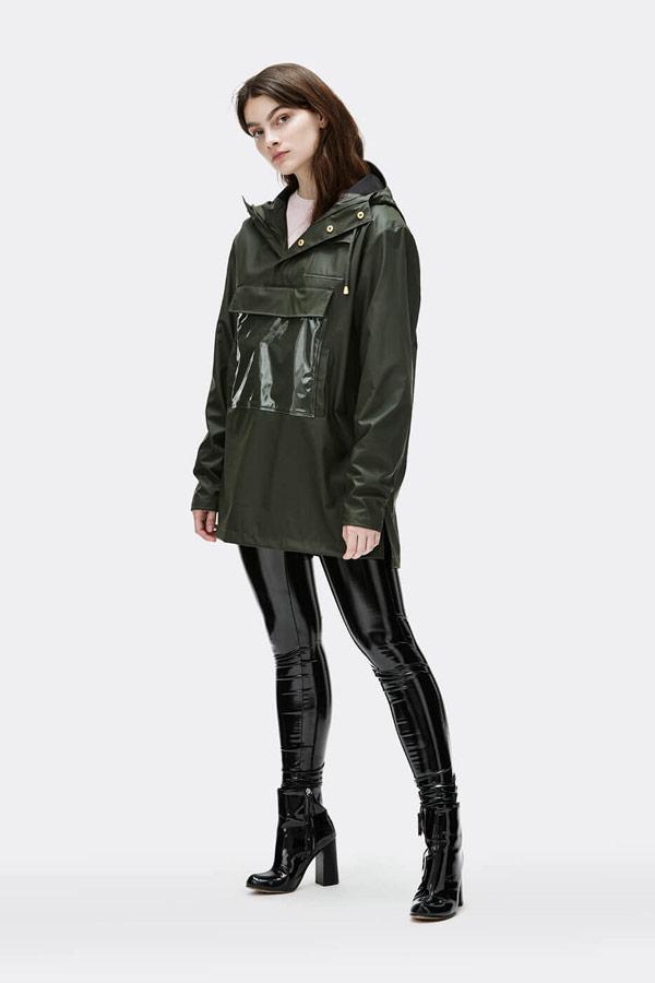 Rains — dámský anorak s kapucí — nepromokavý — tmavě zelený — bunda bez zipu, přes hlavu — womens dark green anorak — Expressions