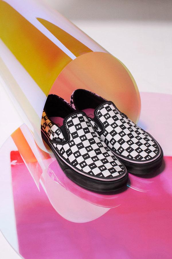 Vans x Lazy Oaf — šachovnicové boty Checkerboard Classic Slip-On