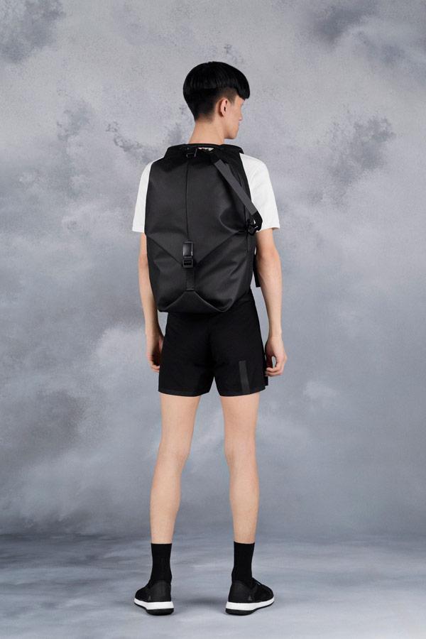 Côte&Ciel — černý batoh — Oril Large — luxusní — sustainable