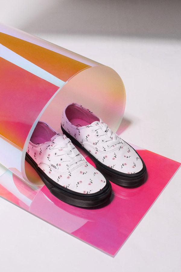 Vans x Lazy Oaf — růžové boty Authentic — dámské tenisky