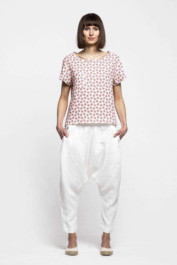K.BANA — dámská košile bez límečku s vlaštovkami — dámské bílé lněné kalhoty s hlubokým sedem
