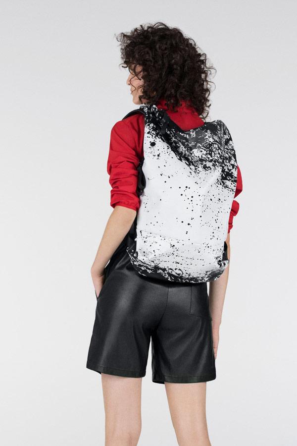 Côte&Ciel — batoh se skvrnami — Timsah — bílý/černý — luxusní — sustainable