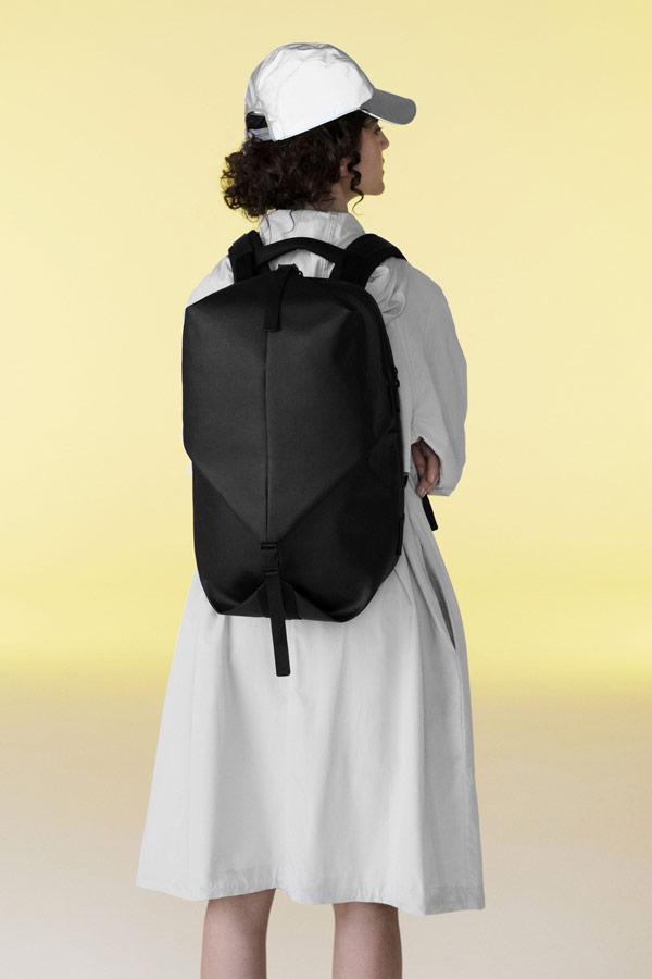Côte&Ciel — nepromokavý batoh — Oril Small — černý — luxusní — sustainable
