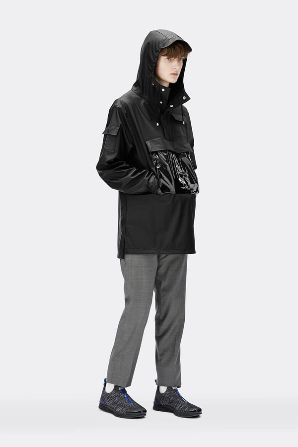 Rains — pánský anorak s kapucí — nepromokavý — tmavě zelený — bunda bez zipu, přes hlavu — mens dark green anorak — Expressions