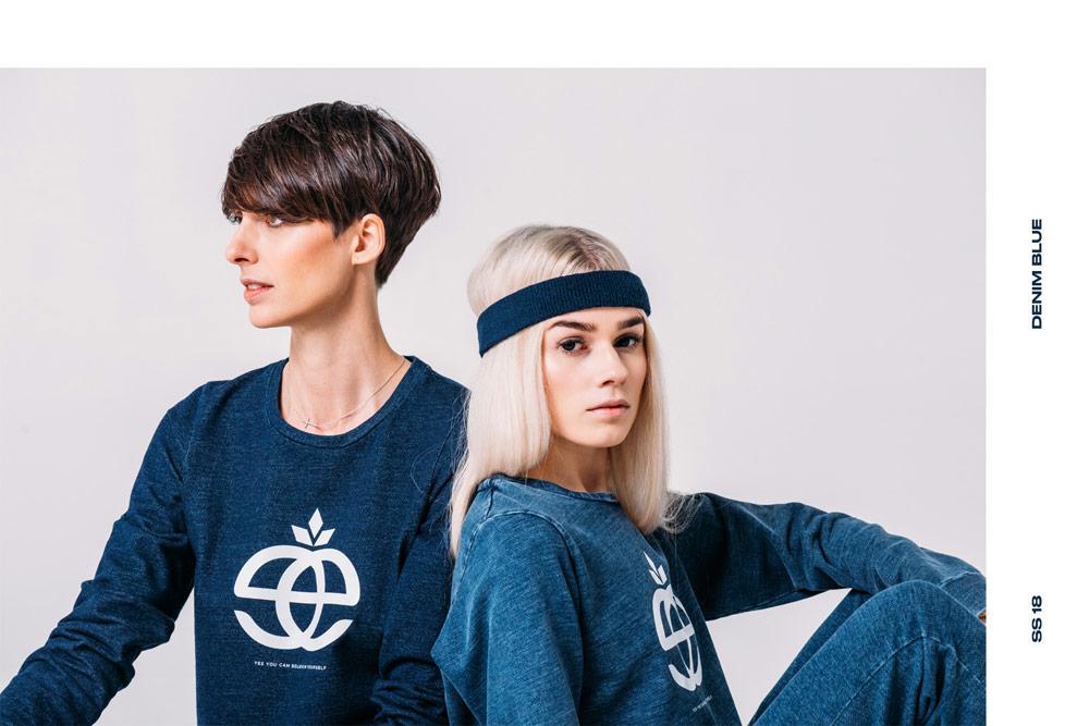 Elade Grl — dámské modré tričko s dlouhým rukávem a bílým potiskem — streetwear fashion
