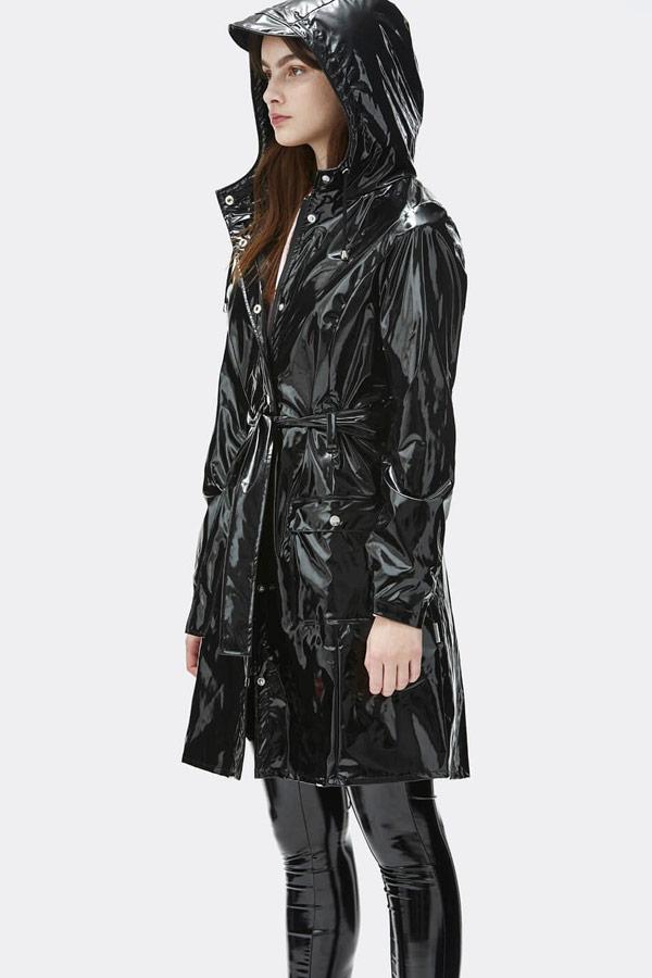 Rains — dámský černý pršiplášť s kapucí — trenčkot — lesklá nepromokavá bunda — womens black rain jacket, trenchcoat — Expressions