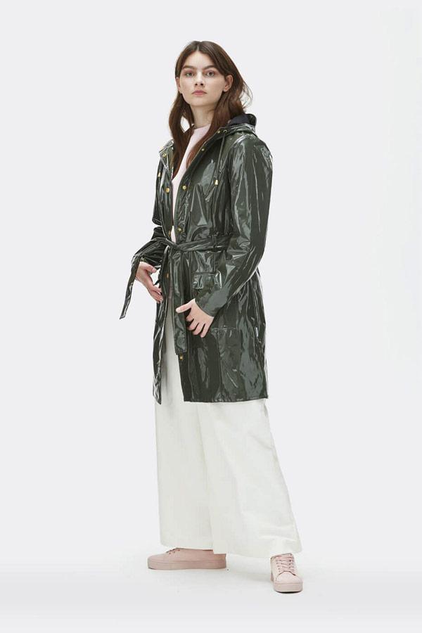 Rains — dámský tmavě zelený pršiplášť s kapucí — trenčkot — lesklá nepromokavá bunda — womens dark green rain jacket, trenchcoat — Expressions