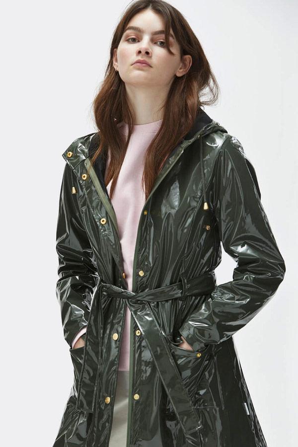 Rains — dámský tmavě zelený lesklý pršiplášť s kapucí — trenčkot — nepromokavá bunda — womens dark green rain jacket, trenchcoat — Expressions