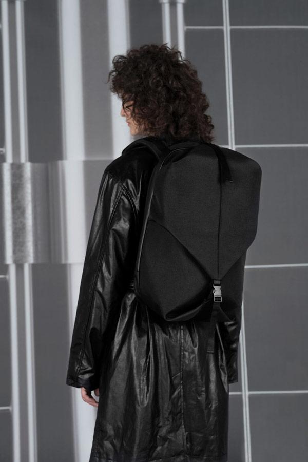 Côte&Ciel — batoh — Oril Small — černý — luxusní — sustainable