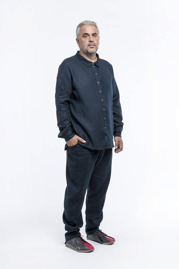 K.BANA — pánské tmavě modré lněné kalhoty — pánská tmavě modrá lněná košile s dlouhým rukávem