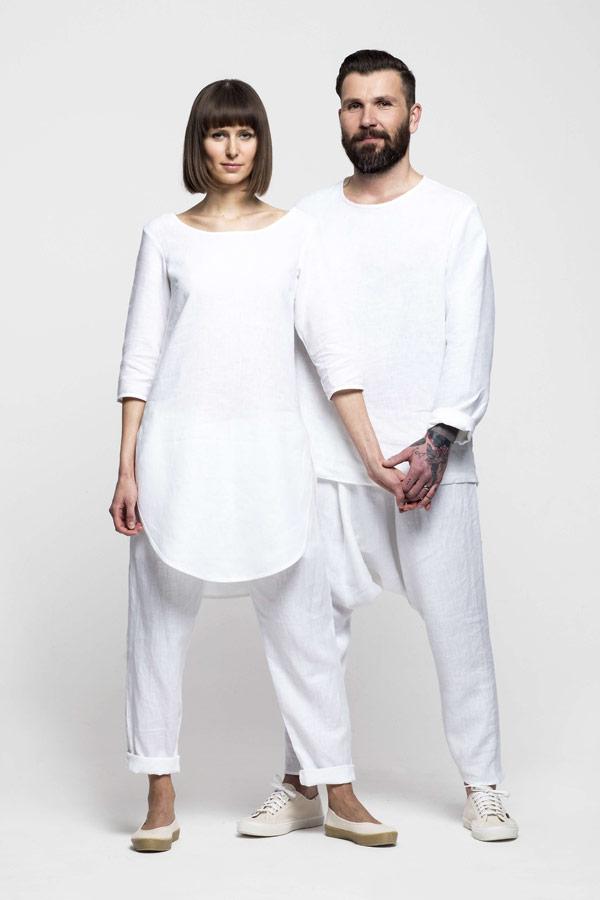 K.BANA — dámská bílá lněná tunika — pánská bílá lněná košile — lněné kalhoty s hlubokým sedem
