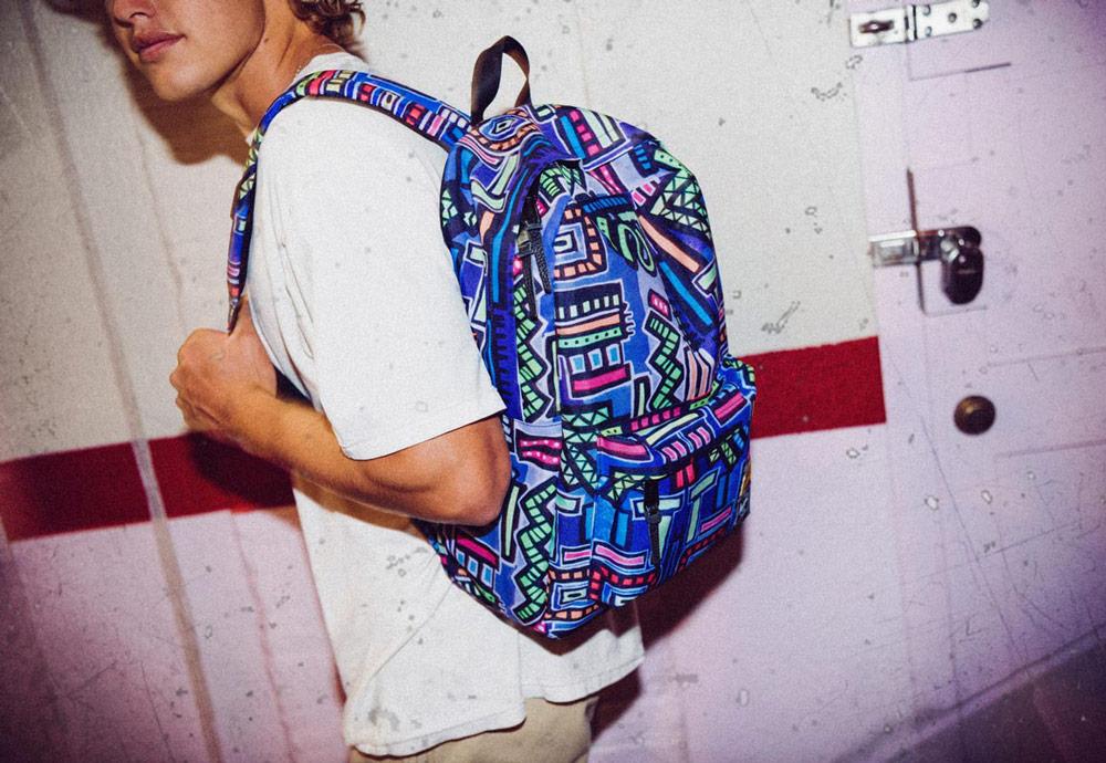 Herschel Supply x Hoffman — batohy, tašky a kšiltovky s havajskými vzory