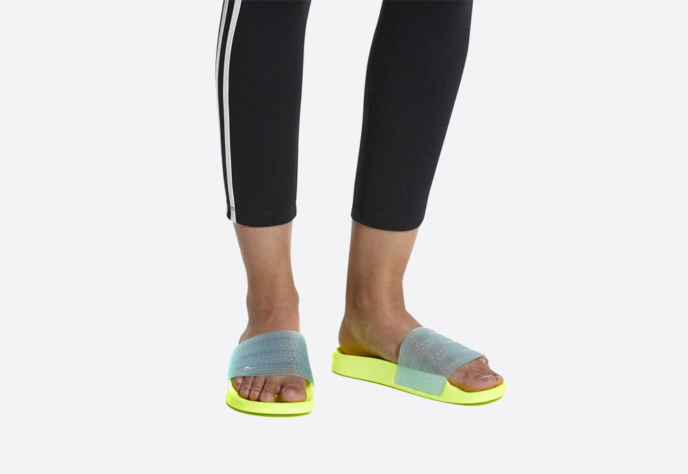 adidas Originals Adilette Lilo — dámské pantofle — letní nazouváky — žluté, zelené, křiklavé — womens green/yellow slides
