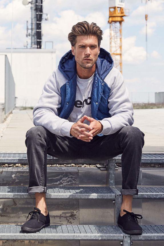 Bench — jarní pánská bunda s kapucí — šedá