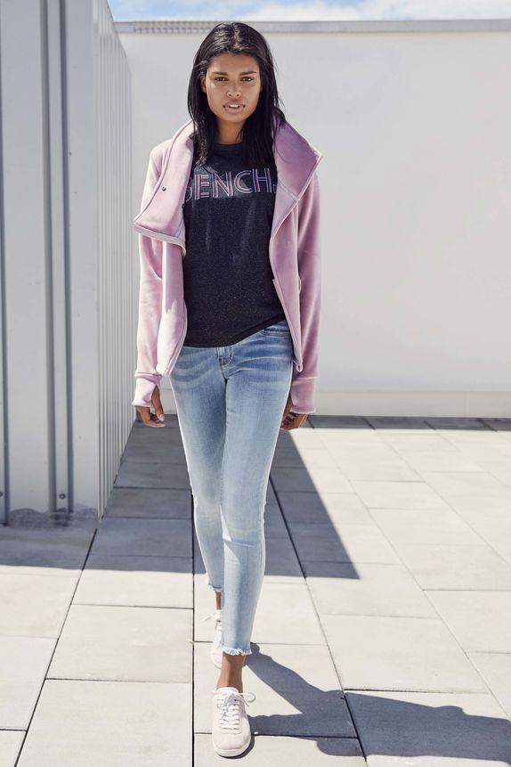 Bench — růžová jarní bunda s velkým límcem — dámské tričko