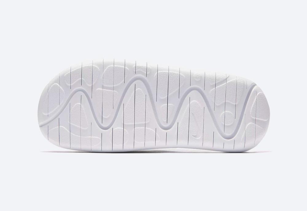 Nike Benassi Future Cross SE Premium — dámské pantofle — podrážka — detail