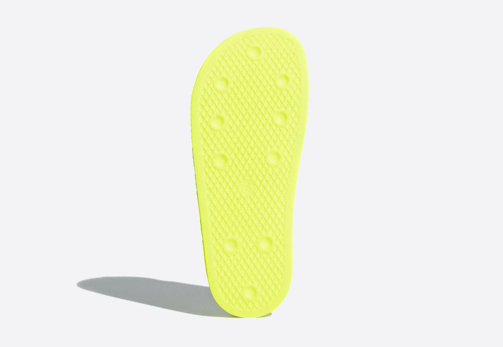 adidas Originals Adilette Lilo — letní pantofle — dámské nazouváky — žluté, zelené, křiklavé — womens green/yellow slides