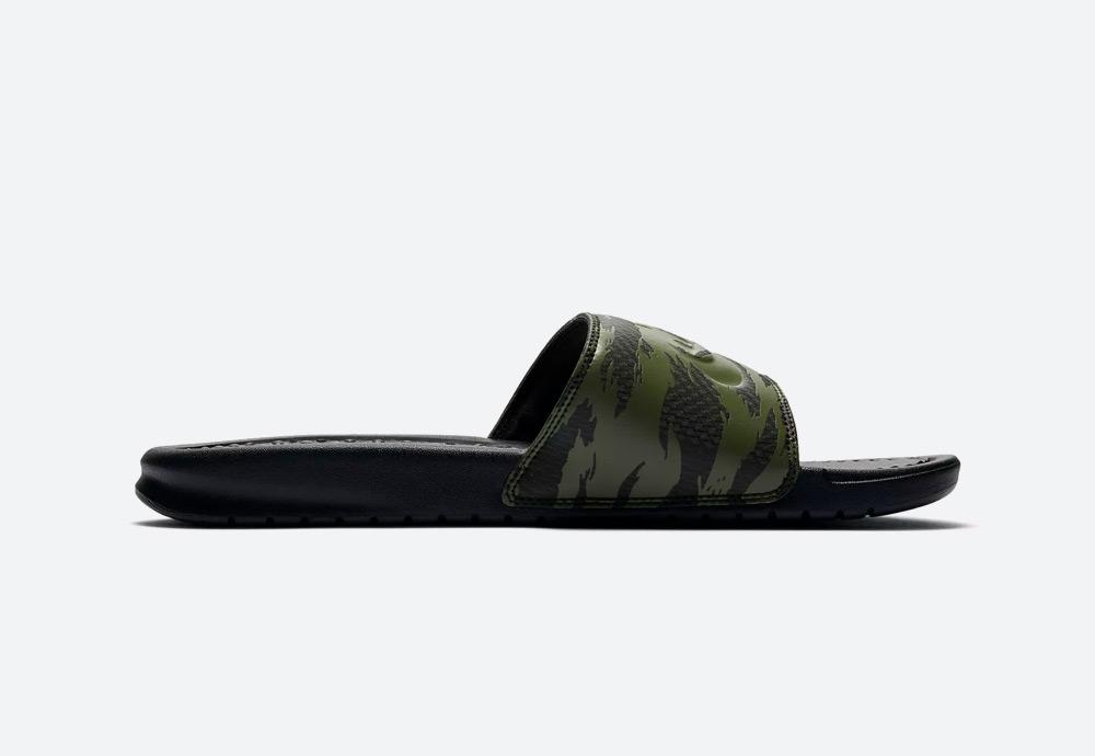 Nike Benassi JDI — pánské pantofle — maskáčové — zelené — nazouváky — mens camo slides