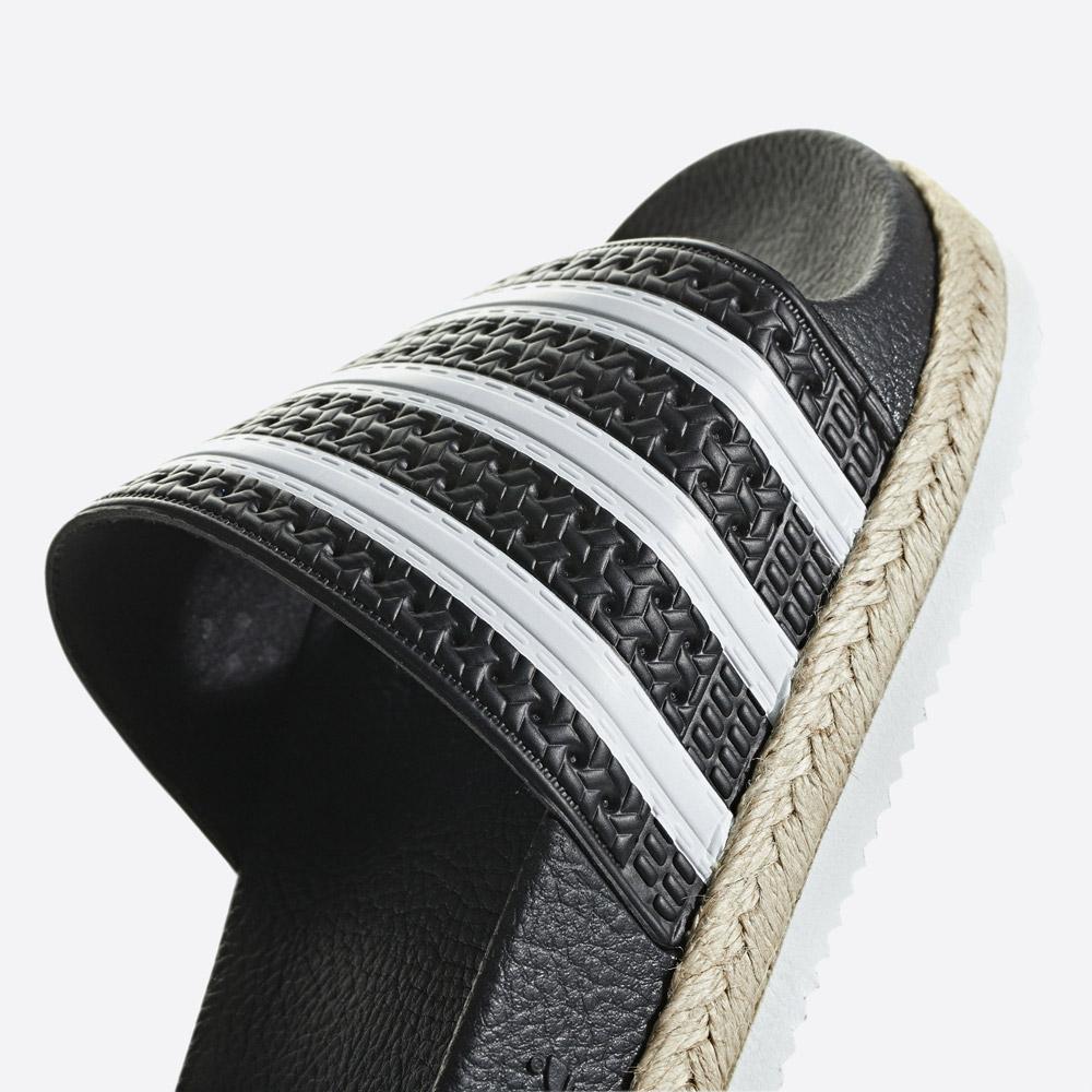 adidas Originals Adilette Bold — pantofle na platformě — dámské nazouváky — černé — womens black platform slides — detail