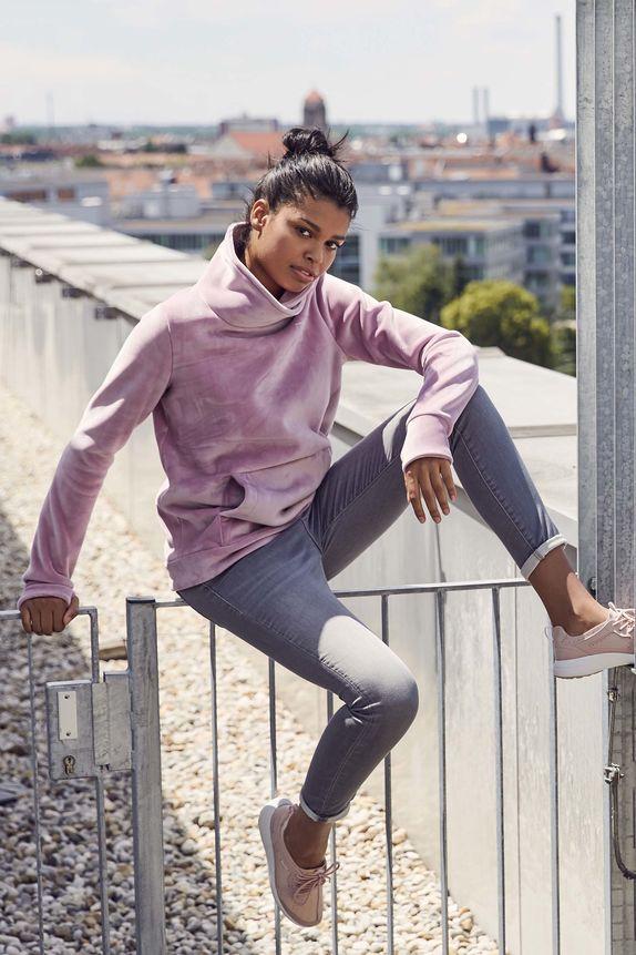 Bench — dámská růžová mikina s kapucí — šedé džíny
