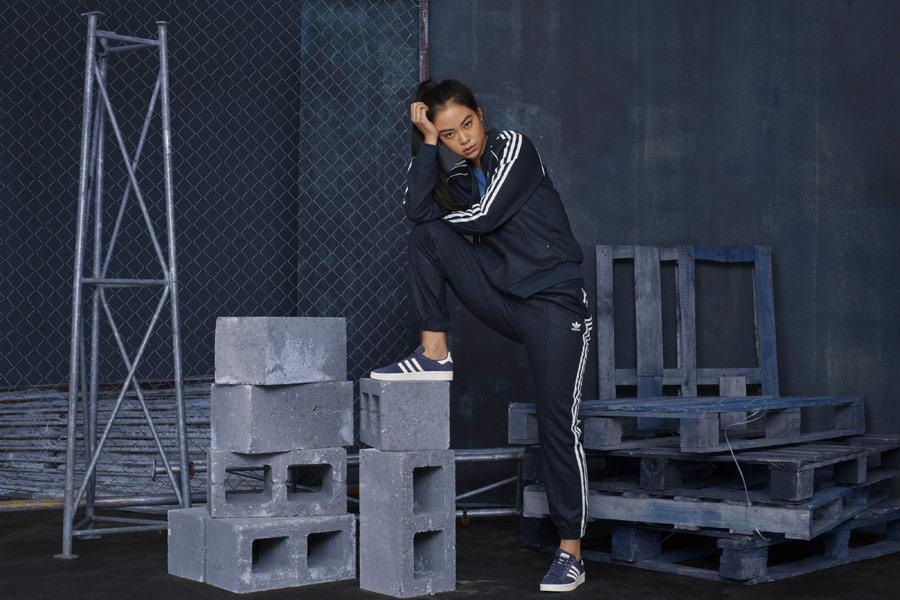adidas Originals adicolor — dámské tmavě modré tepláky — dámská tmavě modrá tepláková bunda — modré tenisky Campus — sportovní oblečení — podzim/zima 2018 — sportswear