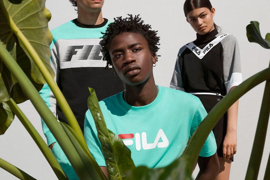 Fila — pánské zelené tričko — černo-zelená mikina — dámské černé sportovní šaty — sportovní oblečení — lookbook — jaro/léto 2018