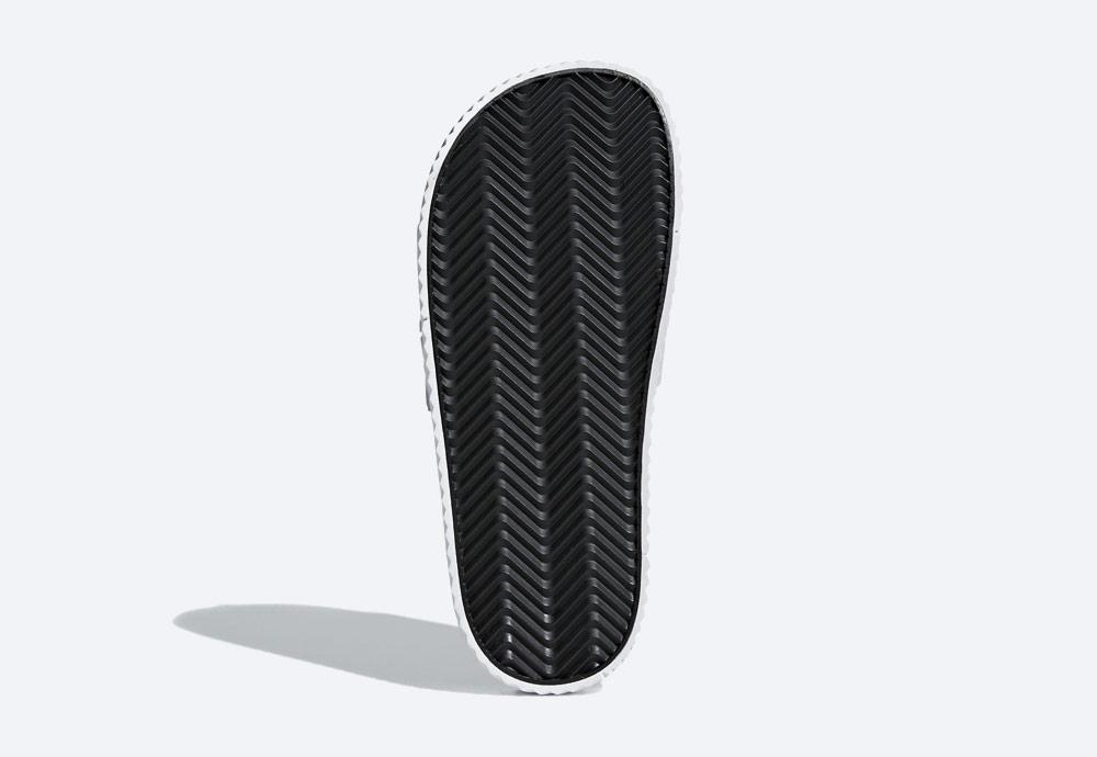 adidas Originals by Alexander Wang Adilette — pantofle — letní nazouváky — bílé — pánské, dámské