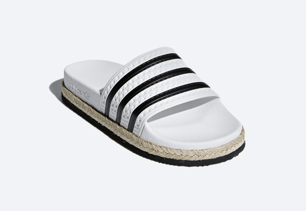 adidas Originals Adilette Bold — dámské pantofle na platformě — nazouváky — bílé — womens white platform slides