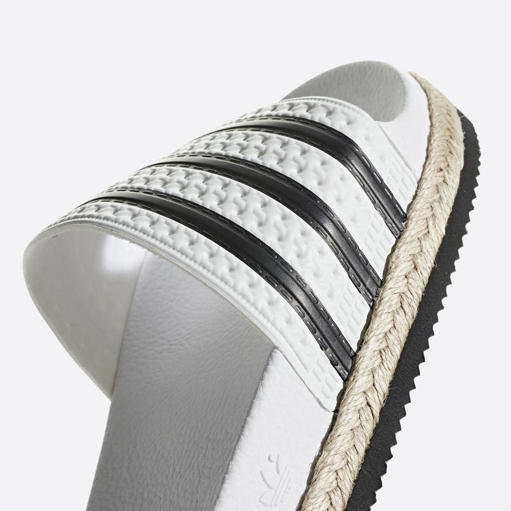 adidas Originals Adilette Bold — pantofle na platformě — dámské nazouváky — bílé — womens white platform slides — detail