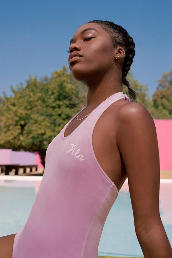 Fila — dámské růžové plavky — jednodílné — sportovní oblečení — lookbook — jaro/léto 2018