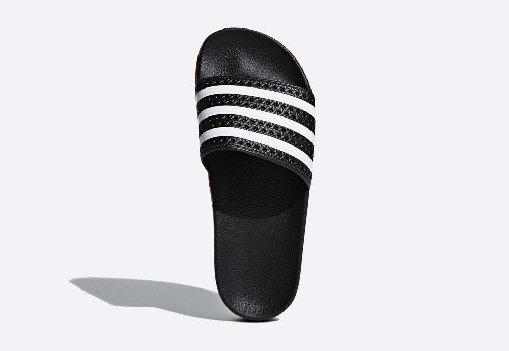 adidas Originals Adilette Bold — pantofle na platformě — dámské nazouváky — černé, zdobené — womens black platform slides