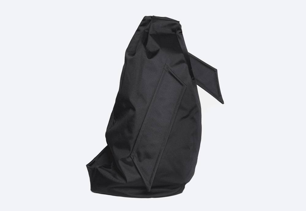Eastpak x Raf Simons VII — batoh — černý — RS Sleek Sling Backpack